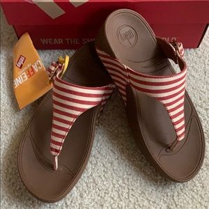 NEW Fitflop Skinny Red Stripes Sandals